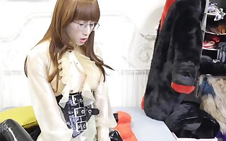 Latex Fetish Dance -Mistress use dildo insertion shemale Abbykitty  乳胶恋物 -女王娜娜用假JJ插入极品混血人妖艾爷